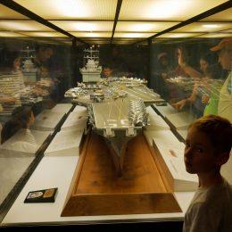 Modell eines Flugzeugträgers
