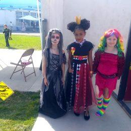 Anna und ihre Freundinnen.